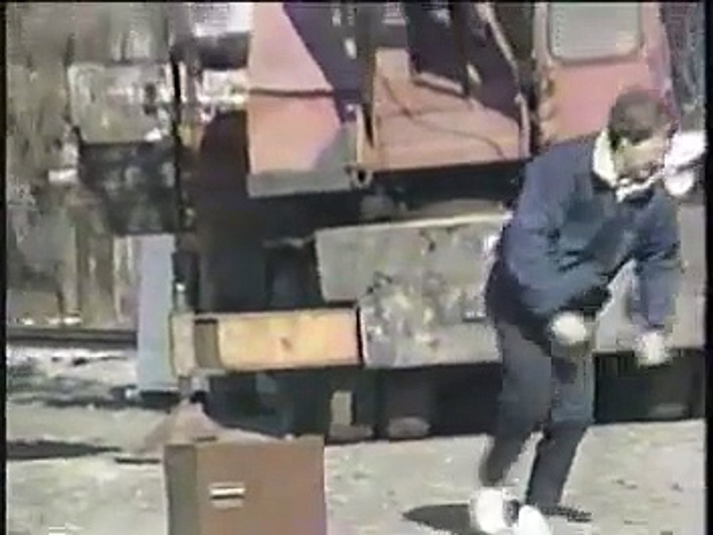 Classic Dave - crushing stuff with a 3000 pound block, 11/17/89