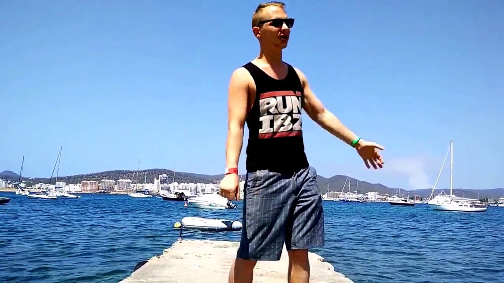 How to travel alone for the first time |Tips for traveling alone |solo travellers tips | ibiza 2015
