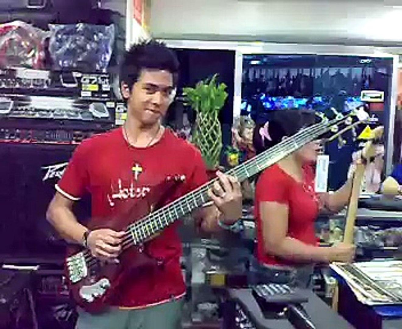 buying bass guitar