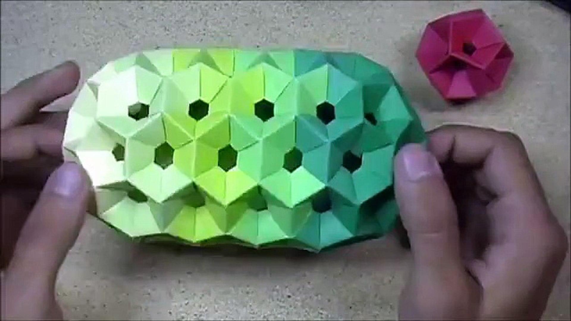 Modular Origami - balls and polyhedra folded by Michał Kosmulski   1080x1920