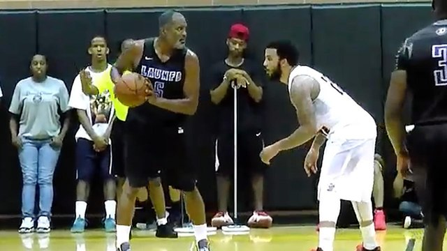 39-Year-Old Cuttino Mobley Tearing Up the Drew League