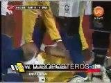 chile vs brasil  claudio bravo arquero de la seleccion chilena de futbol tapa penal a ronaldinho