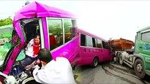 小巴衝撞砂石車 座位鬆脫8傷 2011.04.12