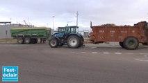 Les agriculteurs aubois bloquent l'accès des hypers