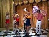 The Brady Bunch sings Sunshine Day and Keep On Dancing