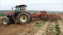 New Holland G240 + Hatzenbichler Tiger & New Holland TS 115 Monosem 6 rangs, En Alsace