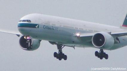 Hong Kong Airport Plane Spotting. Boeing 777 Landings Seen Up Close