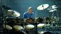 Genesis - Phil Collins e Chester Thompson (solo de bateria).avi