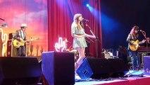 Kacey Musgraves- 'Step Off & Three Little Birds' (Glastonbury Festival 2014)
