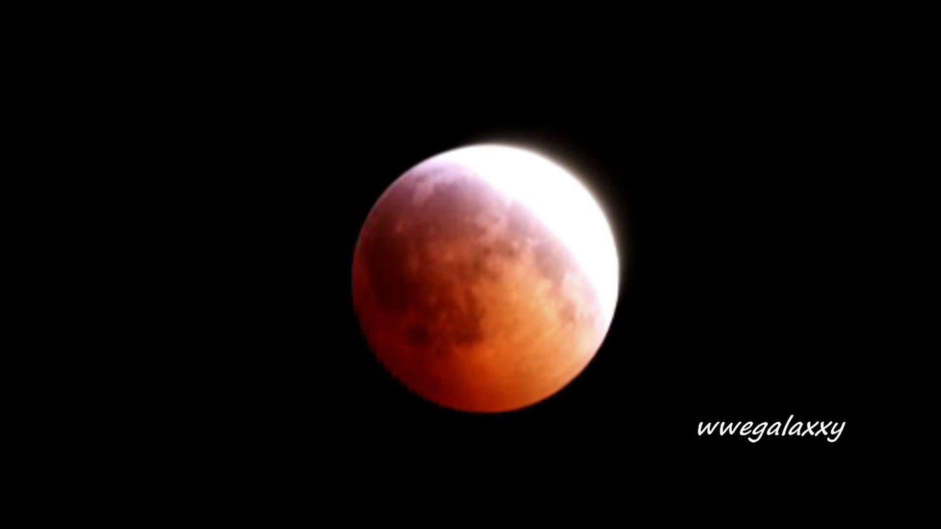 The total lunar eclipse on the night of Wednesday to Thursday, the first in 2011 and the longest for