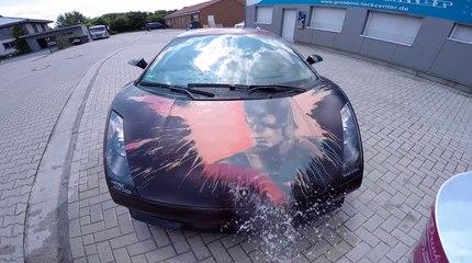 Une Lamborghini change de couleur suivant la température de l'air