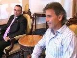 Carlos de los Cobos visita al presidente Funes