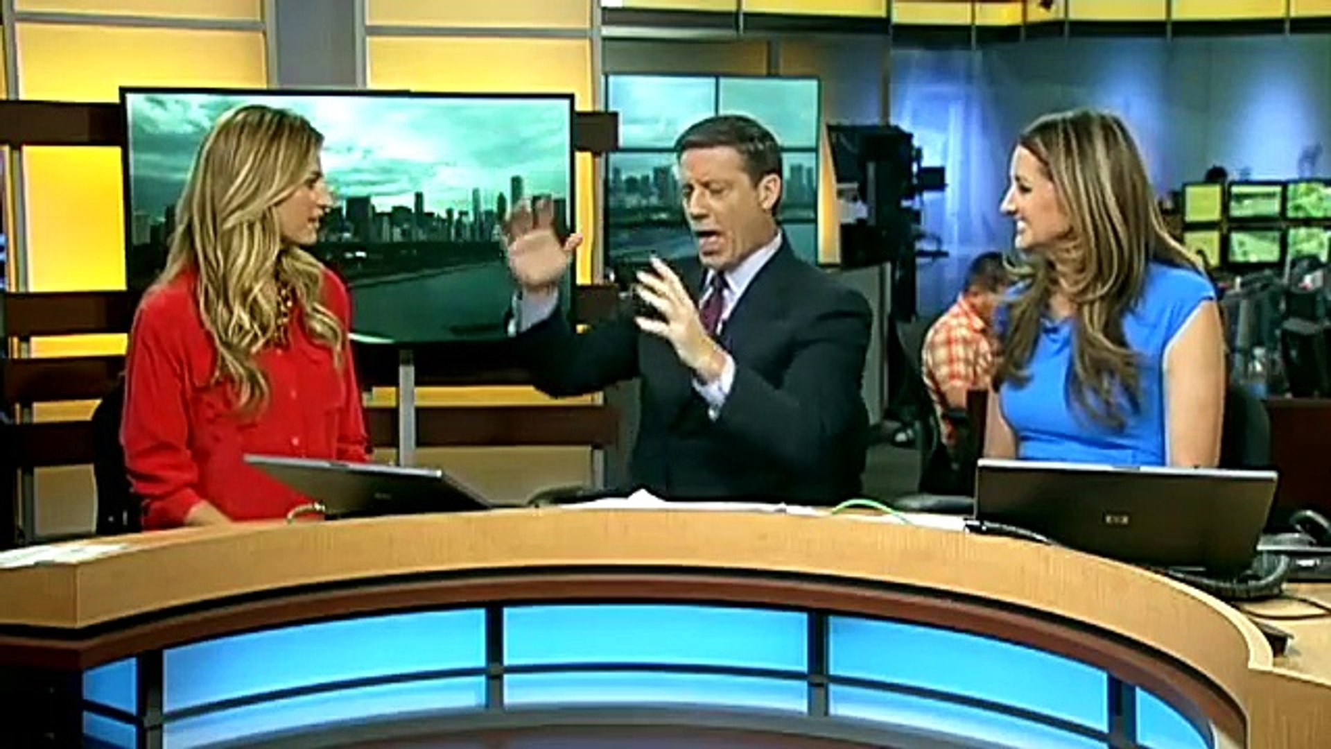 Fox Sports Broadcaster Erin Andrews on Good Day Chicago on Fox Chicago 7-26-12