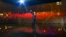 Roberto Benigni - Canzone su Berlusconi (è tutto mio) - Vieni via con me del 8/11/2010