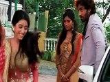 Suhani and Rohan Mein Badhti Hue Najdikiya Dekh Yuvraj Hua Suhani Par Gussa - 28 July 2015 - Suhani Si Ek Ladki
