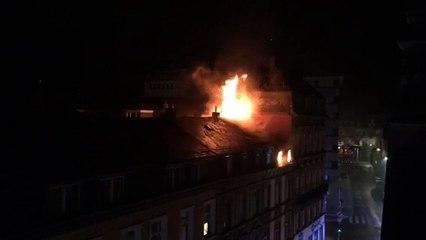 En immeuble en flammes rue Jean Origer à Luxembourg [HD]