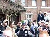 allochtonen misdragen zich tijdens NVU demo