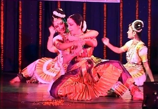 Guru Lata Surendra & her Disciples - Indian Classical Dance Forms | Bharatnatyam Dance Group