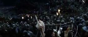 O Senhor dos Anéis - Frodo e Sam disfarçados de  Orc (Cena da versão estendida - DUBLADO)