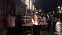 Vlaams Belang staat piket aan ABVV-hoofdkantoor als aanklacht tegen  wegblokkades
