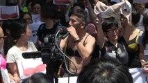 Hong Kong: manifestation de soutien en soutien-gorge