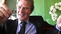 Kouchner : l'Algerie est un mélange de pétrole, de militaire et de politique...