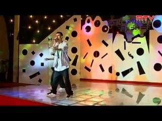 Tiki feat  Maksi -  Dhezim Flak  ( qmimi 3t Kosova fest 2010 )