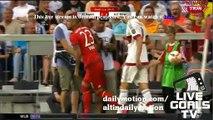 Arturo Vidal vs Cristian Zapata - Bayern v. Milan - 04.08.2015 - Audi Cup