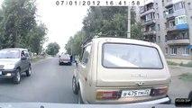Russian Road Rage - batte de baseball et hachette