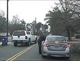 Arrestation musclée d'une femme en excès de vitesse et de son mari qui se fait passer pour un policier