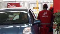 Peruanos, descontentos con alza de precios de combustibles