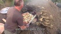 Four à pizza fait maison dans le jardin