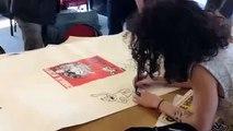Trois apprentis ornais invités de Charlie Hebdo, séance de dédicaces