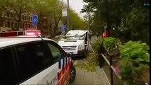 Bij het Sarphatipark in Amsterdam is een dode gevallen door de storm