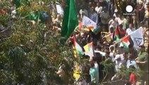 Cisgiordania: una folla al funerale del papà del bimbo palestinese arso vivo