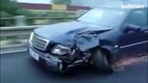 How to drive a heavily damaged car - I love Mercedes-Benz - Driving crashed Mercedes
