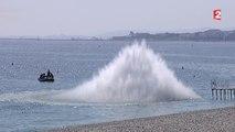 Des démineurs font exploser un obus de la seconde guerre mondiale sur la plage de Nice