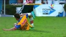 Fútbol Mexicano: Carlos Salcido sufrió terrible (VIDEO)