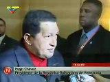 """Presidente Hugo Chavez le Regala al Presidente Barack Obama Libro de Eduardo Galeano """"Las venas..."""""""