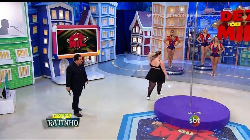 Mulher 'arrasa' no Pole Dance