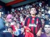 Supporters du FIS dans le stade en Algérie (3alyha Namout 3alayha nahya)