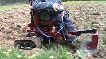 """Tout-terrains - """"The tracer"""" voiturette électrique pour invalide."""