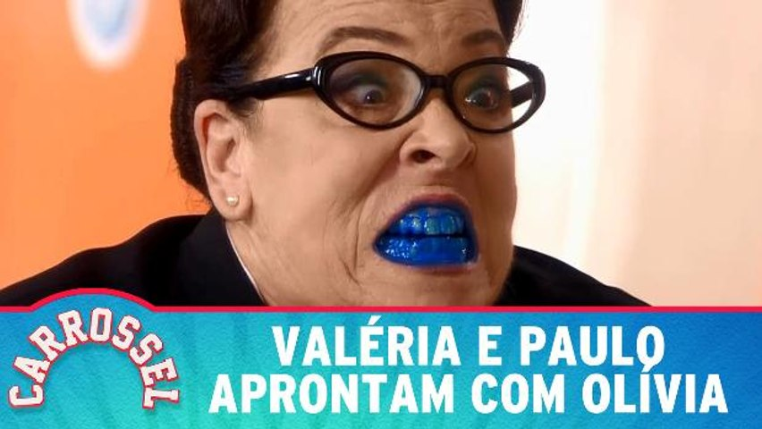 Valéria e Paulo aprontam e deixam dentes de Olívia azuis