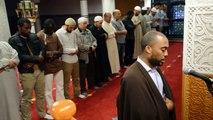 Mohamed Bajrafil dirige la prière à la mosquée de Nantes