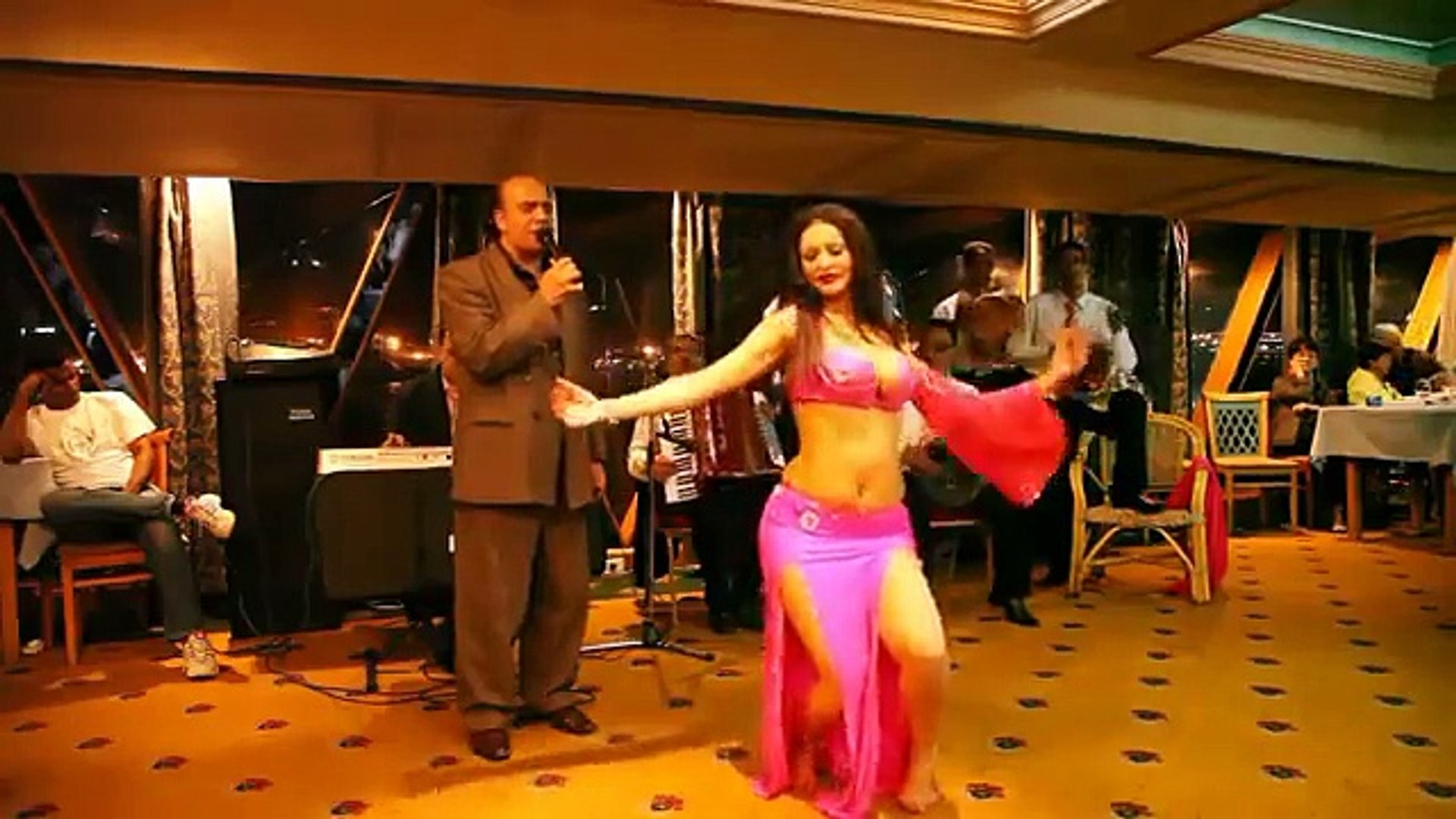 Egypt, cradle of belly dance : 10