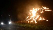 Video: Strobult gaat in vlammen op in Scheemda - RTV Noord