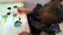 Paints Tiger Upside Down | Yahli, 2 year old child painting original wildlife