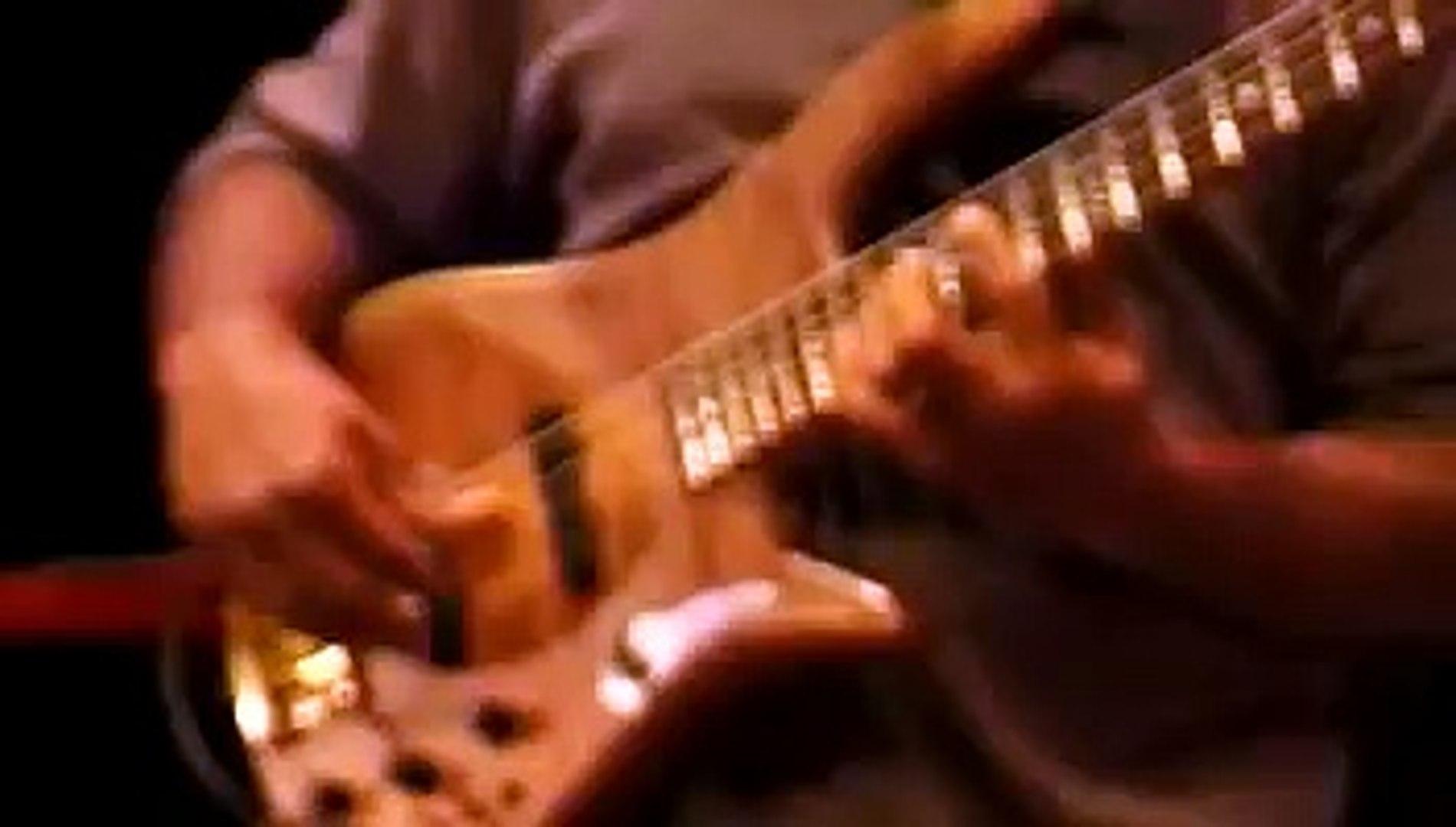 Victor Wooten Bass Solo - Bass Day 2001