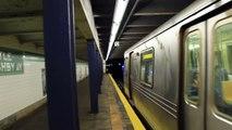 IND Subway: Queens Bound R46 (G) train at Myrtle Avenue