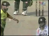 fight between shahid afridi and gautam gambhir during cricket match..curse wording each other